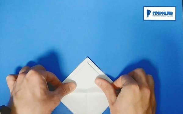 Как сделать кораблик из бумаги - фото 10