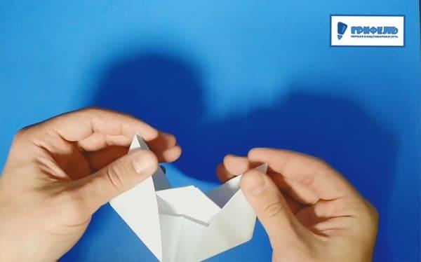 Как сделать кораблик из бумаги - фото 13