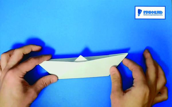 Как сделать кораблик из бумаги - фото 14
