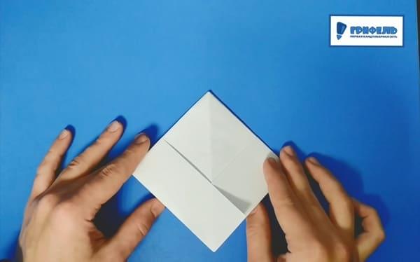 Как сделать кораблик из бумаги - фото 9