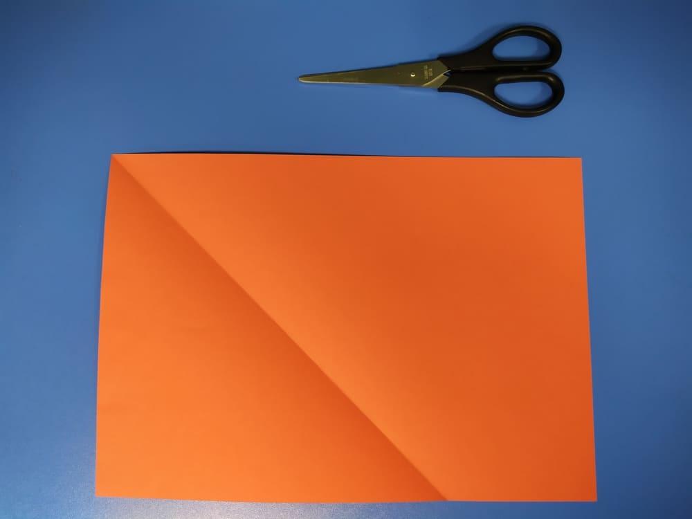 Как сделать конверт из бумаги - фото 1
