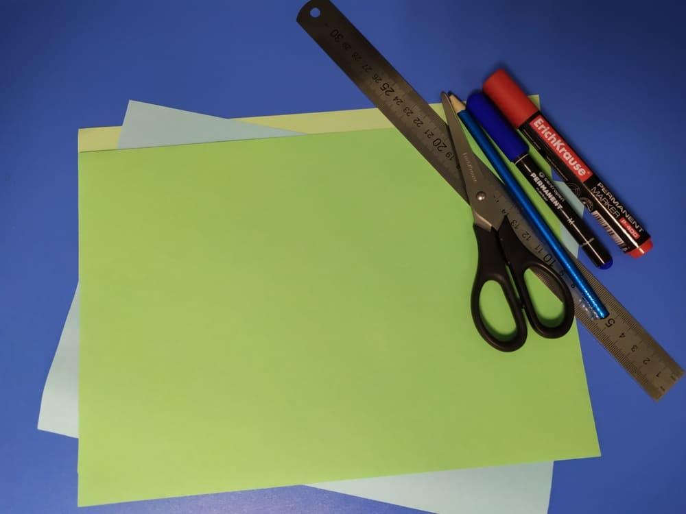 Как сделать милую закладку из бумаги - фото 1