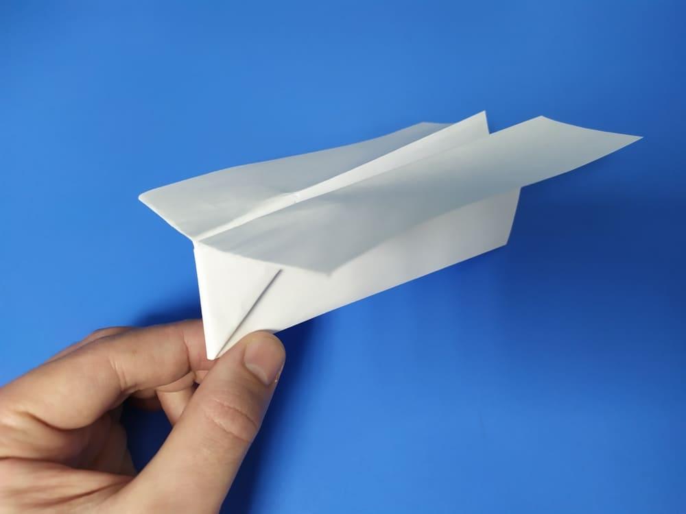 Самолетик из бумаги Грозный молот