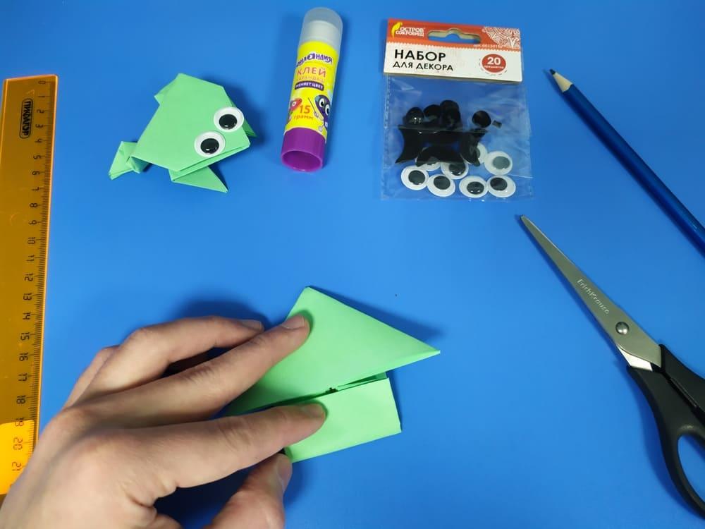 Лягушка из бумаги - фото 10