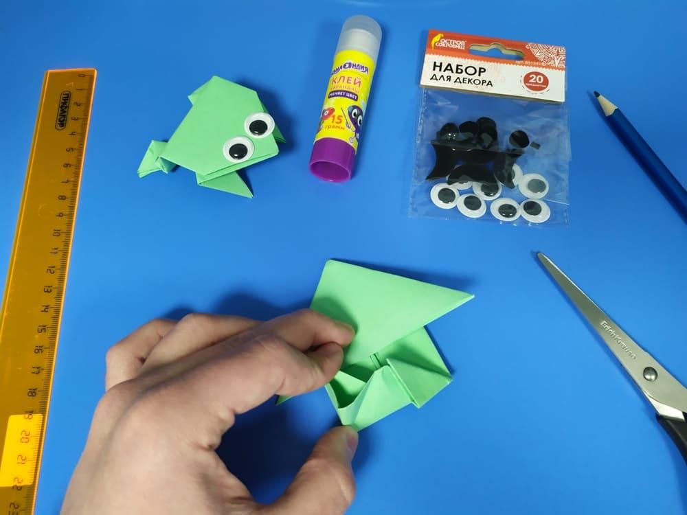 Лягушка из бумаги - фото 12