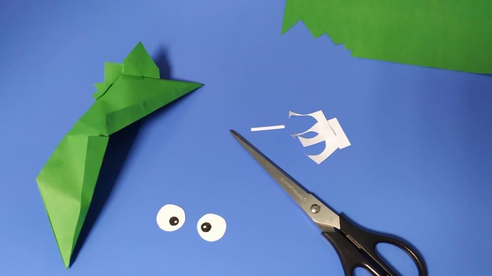 Как сделать голову ящерицы из бумаги фото 13