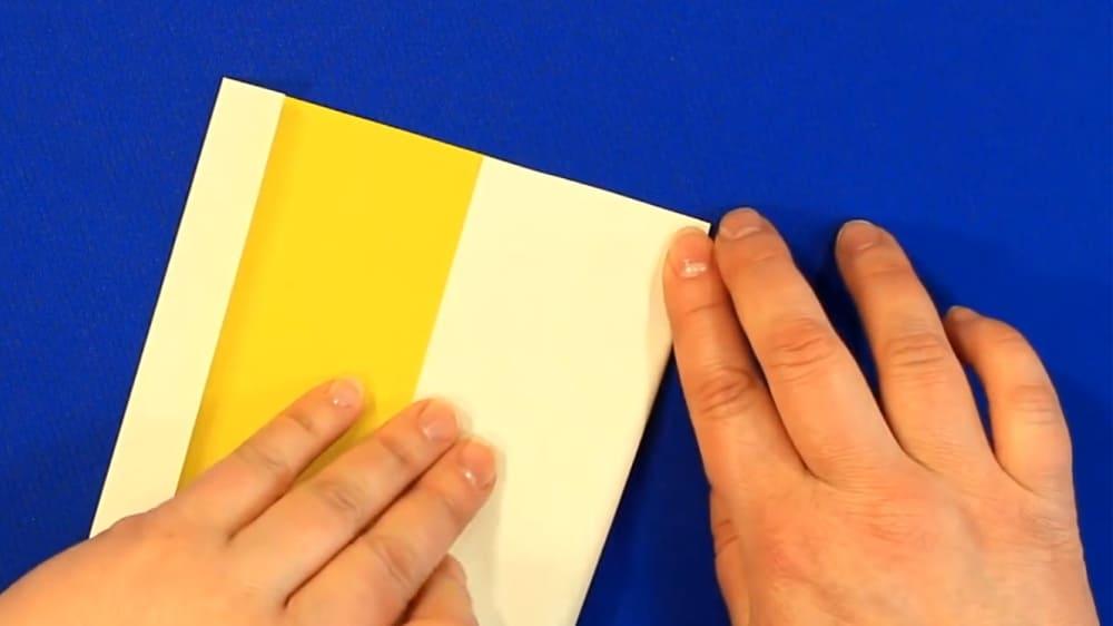 """Создание открытки из цветной бумаги """"Цыпленок"""" - фото 2"""