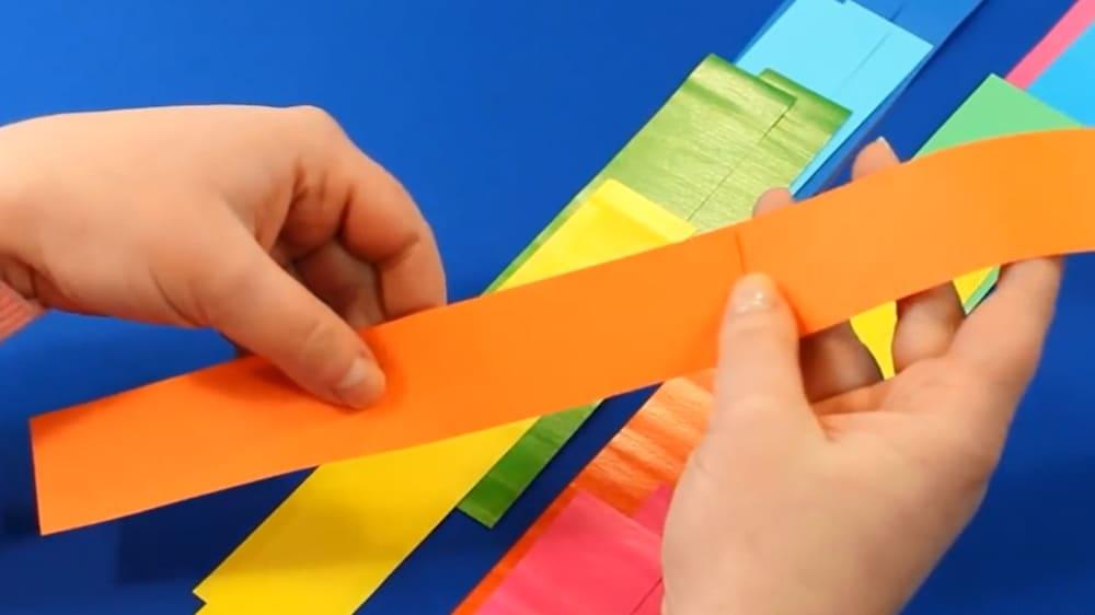 Змейка из цветной бумаги - фото 2