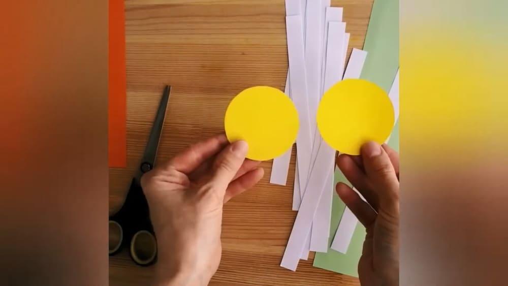 """Аппликация из цветной бумаги """"Ромашка"""" - фото 2"""