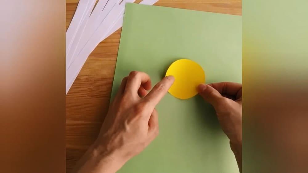 """Аппликация из цветной бумаги """"Ромашка"""" - фото 3"""