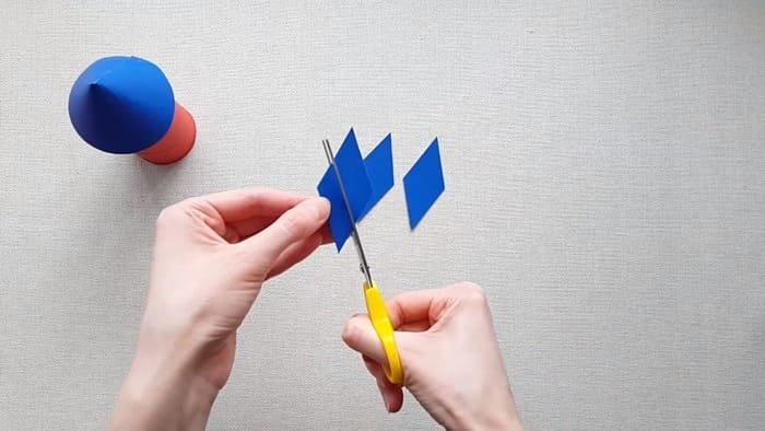 Ракета из цветного картона - фото 11