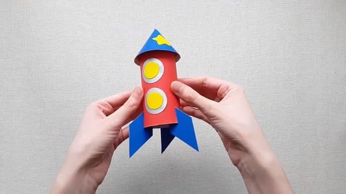 Ракета из цветного картона - фото 16