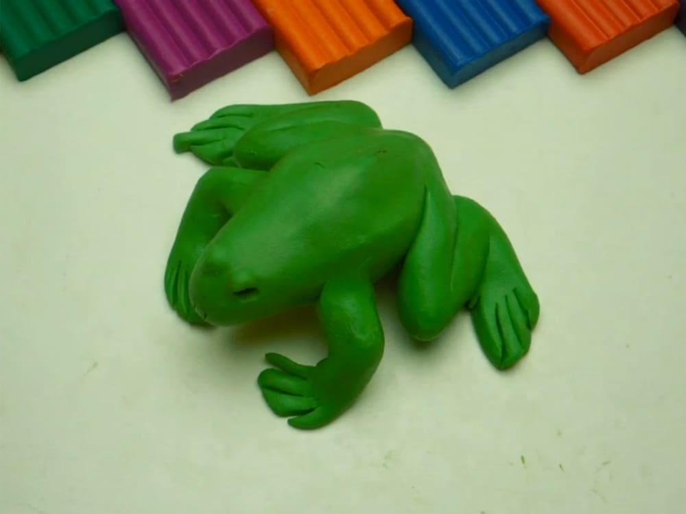 Лягушка из пластилина - фото 11