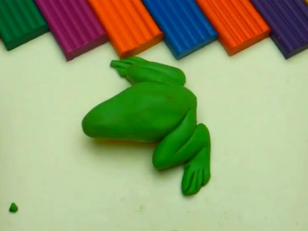 Лягушка из пластилина - фото 7