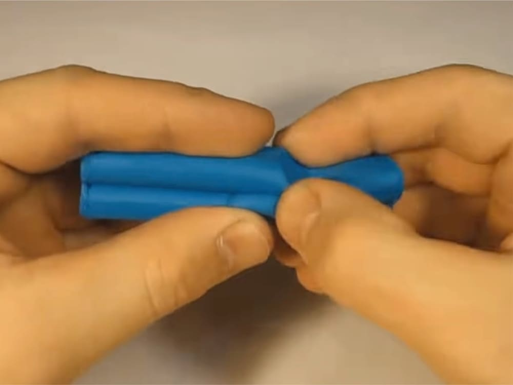 Как слепить кроша из пластилина - фото 1