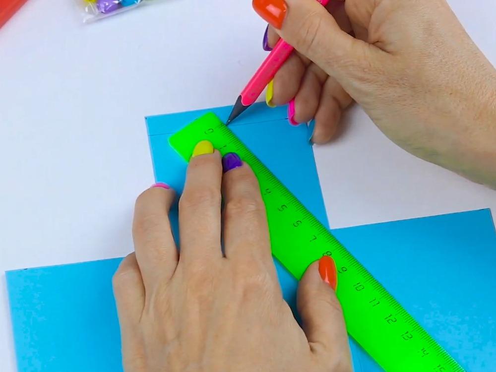 Как сделать пенал из бумаги - фото 7
