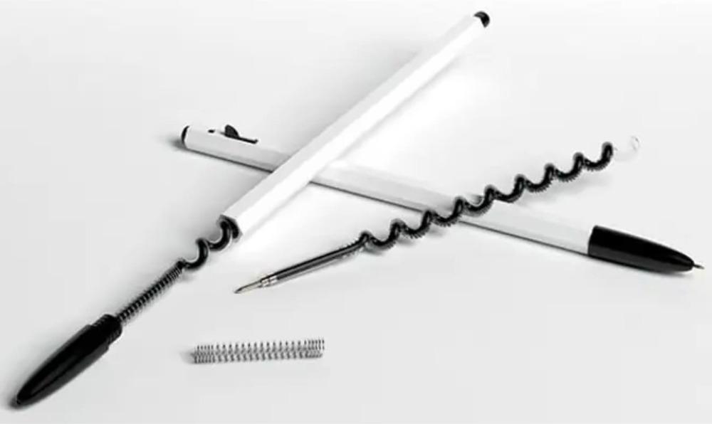 Изогнутый стержень шариковой ручки