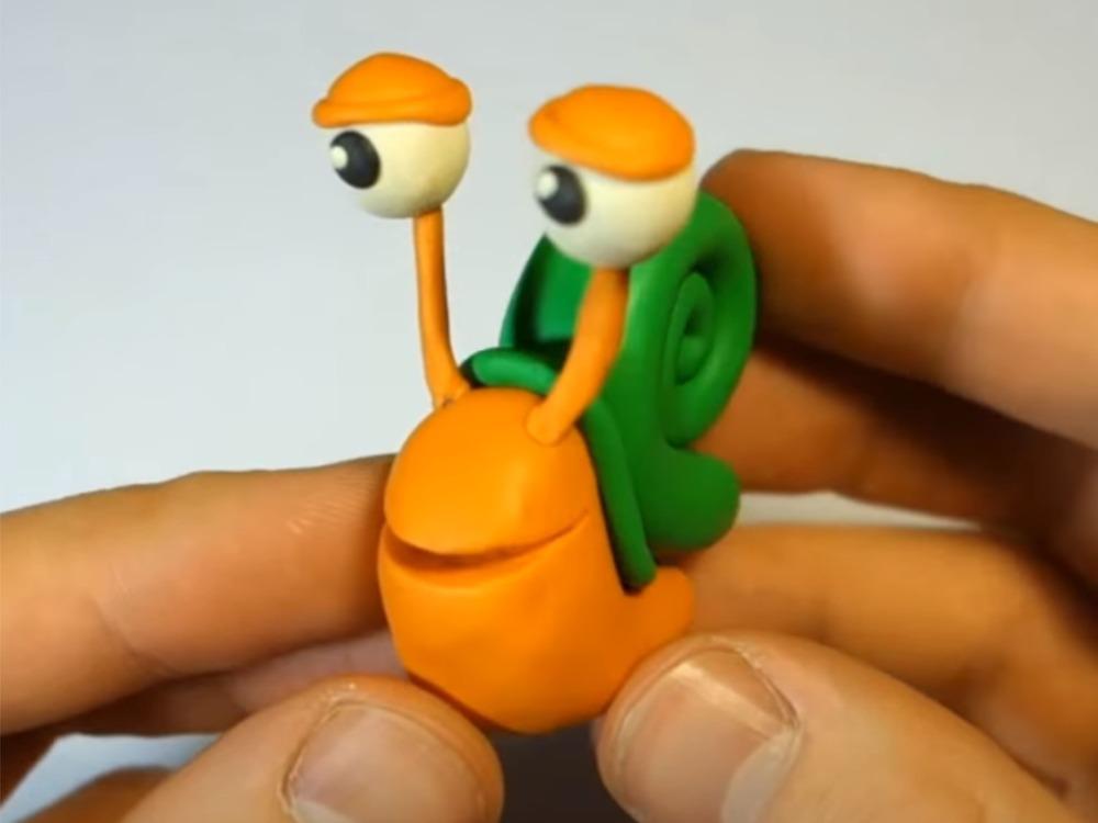 Улитка из пластилина для детей