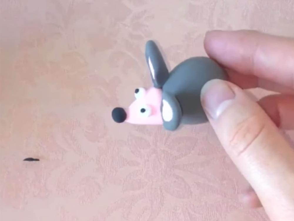 Как слепить мышку из пластилина - фото 13